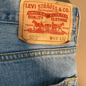 Levi's 550 relaxed fit jeans 44x32